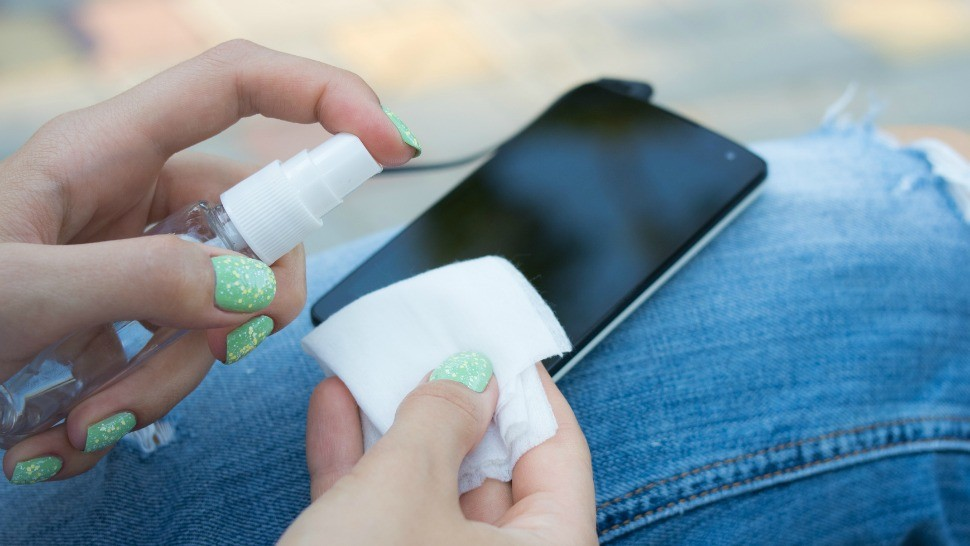 clean your tech products easily, techbuzzes,